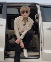 """Sơn Tùng MTP thay đổi kiểu tóc, ra mắt teaser sản phẩm mới gây """"bão"""""""