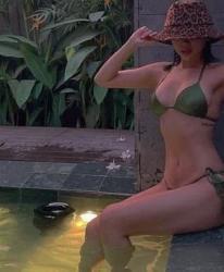 Tóc Tiên diện bikini phơi mình bỏng mắt với đôi gò bồng đảo đầy đặn và 'vòng eo con người' siêu hút