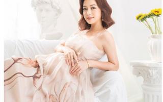"""Tuổi 34, """"Hoa hậu 4 con"""" Jennifer Phạm vẫn khoe đường cong hút mắt khi mang bầu"""