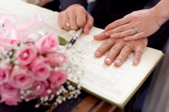 'Đàn ông lương tháng 10 triệu mà đòi cưới vợ?'